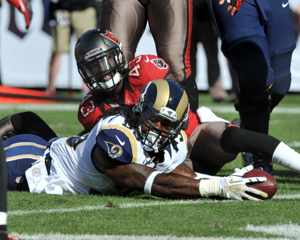 TAMPA, FL - DECEMBER 23: Running back Steven Jackson #39 of the St. Louis Rams stretches for a second-quarter touchdown against the Tampa Bay Buccaneers December 23, 2012 at Raymond James Stadium in Tampa, Florida. (Photo by Al Messerschmidt/Getty Images)