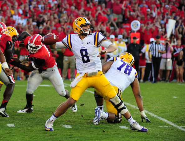 ATHENS, GA - SEPTEMBER 28: Zach Mettenberger #8 of the LSU Tigers passes against the Georgia Bulldogs at Sanford Stadium on September 28, 2013 in Athens, Georgia. (Photo by Scott Cunningham/Getty Images)