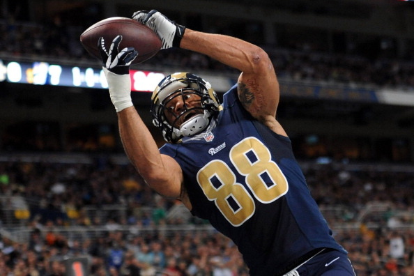 ST. LOUIS, MO - DECEMBER 15: Lance Kendricks #88 of the St. Louis Rams scores a touchdown against the New Orleans Saints in the first quarter at the Edward Jones Dome on December 15, 2013 in St. Louis, Missouri.  (Photo by Michael Thomas/Getty Images)