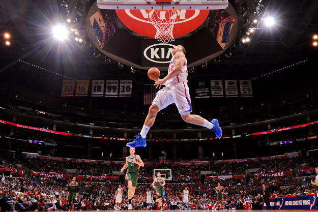 LOS ANGELES, CA - MARCH 6: Blake Griffin #32 of the Los Angeles Clippers dunks on a fast break against the Milwaukee Bucks at Staples Center on March 6, 2013 in Los Angeles, California.